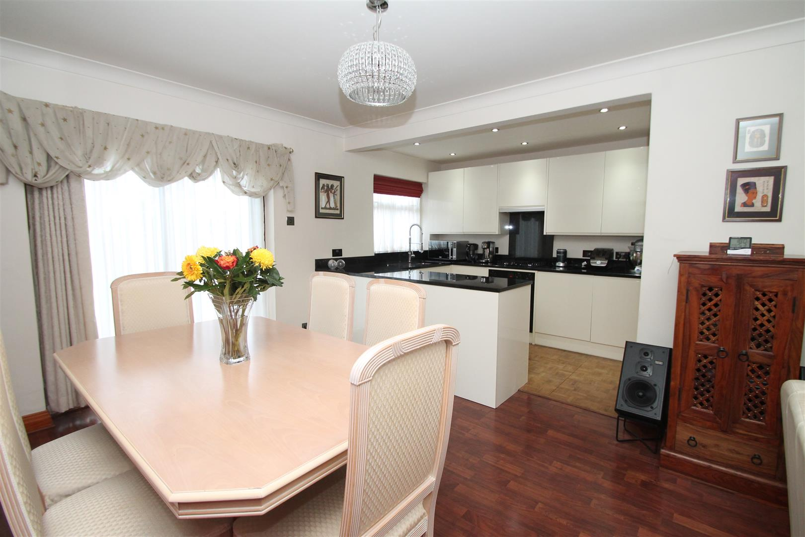 3 Bedrooms Terraced House for sale in Lister Gardens, London N18